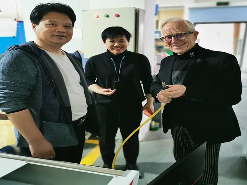 news-Full of Harvest-Netherlands Customers Trip to Questt Laser for Suitcase laser cleaning Machine-